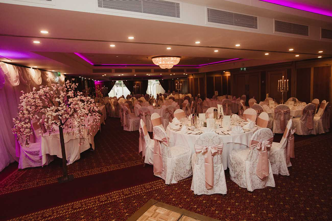 Radisson-Blu-St-Helens-wedding-76